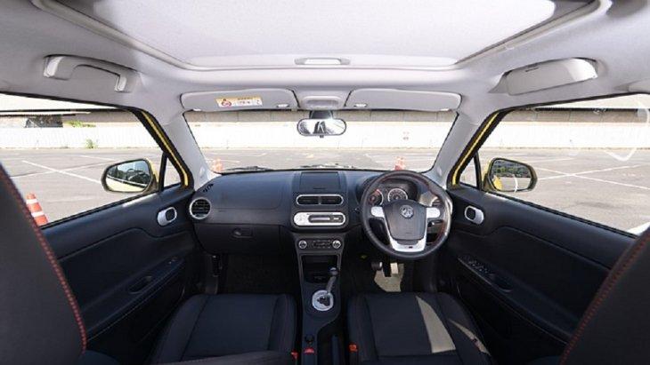 เพิ่มความโปร่งสบายยามขับขี่จากแสงที่ส่องเข้ารถจากซันลูฟ