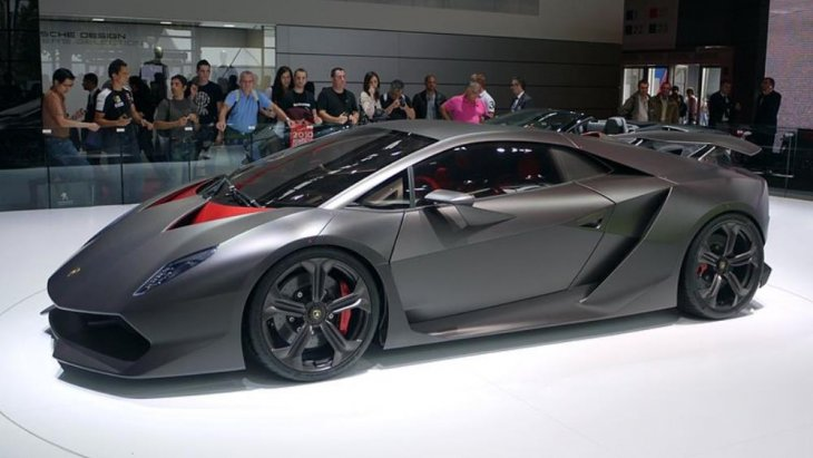 Lamborghini Sesto Elemento ถือเป็นรถยนต์นั่งสมรรถนะสูง เครื่องยนตร์กลางลำหลัง ขับเคลื่อนสี่ล้อหลัง (AWD) 2 ประตู 2 ที่นั่ง