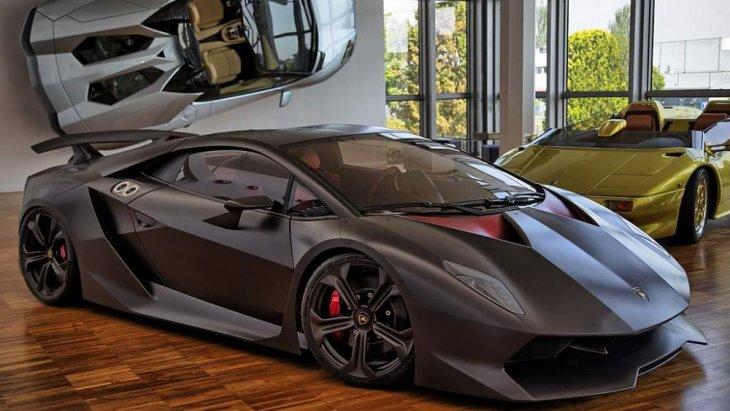 Lamborghini Sesto Elemento ผลิตโดยบริษัทรถยนต์สัญชาติอิตาลี ลัมโบร์กีนี เปิดตัวครั้งแรกที่งาน ปารีส มอเตอร์ โชว์ ปี ค.ศ. 2010 และเริ่มผลิตในปี ค.ศ. 2011 ในจำนวนจำกัดเพียง 20 คันเท่านั้น