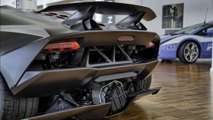 Lamborghini Sesto Elemento ได้รับการออกแบบโดย ทราวิส มาร์ช (Travis Marsh)