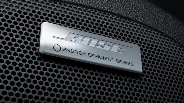 ระบบเสียงขั้นสูงจาก Bose® Energy Efficient Premium System  7 ตัว เพื่อเพิ่มความบันเทิงให้กับทุกคนภายในห้องโดยสาร
