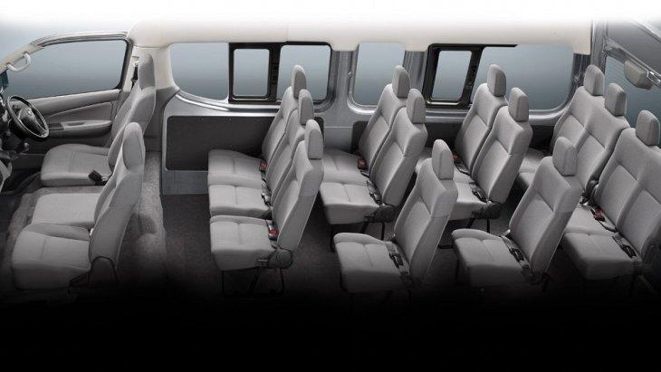 NISSAN URVAN 16 ที่นั่ง ภายในห้องโดยสารกว้างขวาง เบาะนั่งมีขนาดใหญ่ ปรับระดับในการนั่งได้อย่างง่ายดาย