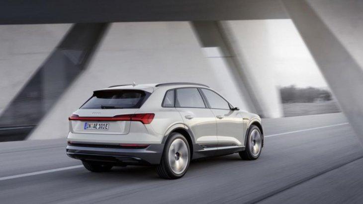 """Audi รุ่น e-Tron SUV Model  ได้เปิดตัวหลังจากก่อนหน้านี้ไม่ค่อยจะประสบความสำเร็จมากนับกับรุ่น """"Audi R8 e-tron Model"""""""
