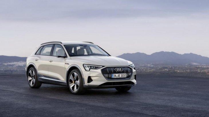 รถยนต์พลังงานไฟฟ้า Audi รุ่น e-Tron SUV Model