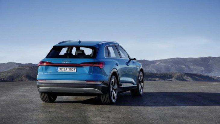 ขุมพลังงานของรถแบบ Audi e-tron SUV นั้นจะเปิดตัวออกมาด้วยเครื่องยนต์ขนาดใหญ่พร้อมมอเตอร์ไฟฟ้าขนาด 95 kWh.