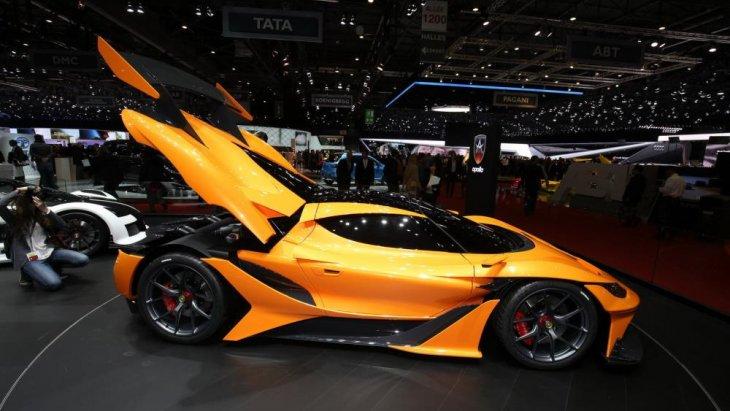 อัตราความเร่งจาก 0-200 กม./ชม. (124 ไมล์)  อยู่ที่ 8.8 วินาทีและความเร็วสูงสุดทั้งสิ้น 360 กม./ชม. (223 ไมล์)