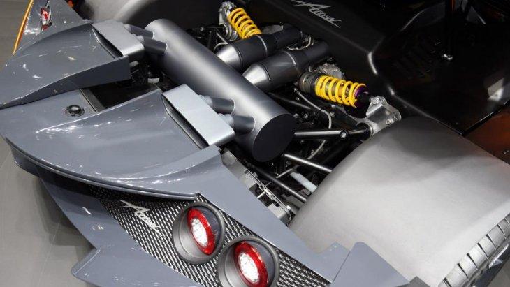 เครื่องยนต์แบบ Twin-Turbocharged