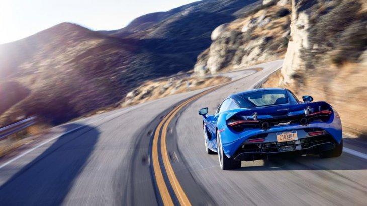 นอกจากนี้ ระบบควบคุมการทรงตัวแบบแปรผันที่ช่วยให้นักขับสามารถควบคุมรถได้อย่างดีเยี่ยม