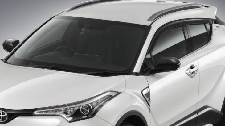 ชุดตกแต่งหลังคา ผลิตจากวัสดุเกรดพิเศษ TSOP (Toyota super orifin plastic) ซึ่งเป็นวัสดุตัวเดียวกับที่ทำกันชนหน้าของรถยนต์ ทำให้ชิ้นงานที่ได้มีน้ำหนักเบา ราคา 3,600 บาท