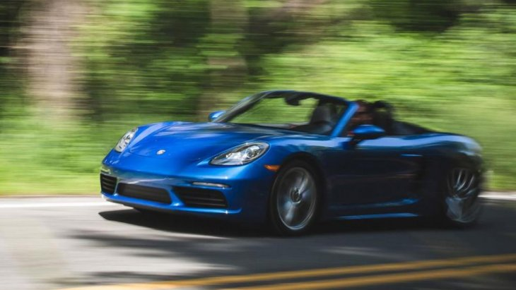 จากสถิติระบุว่าสามารถทำความเร็วสูงสุดได้ถึง 275 กิโลเมตรต่อชั่วโมงเลยทีเดียว