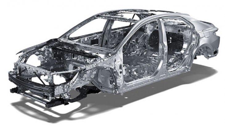 โครงสร้างตัวถังของ All-new Toyota Camry 2019 เป็นโครงสร้างนิรภัย GOA พร้อมคานนิรภัยพร้อมโครงสร้างนิรภัยด้านหน้าและด้านท้าย ช่วยดูดซับและกระจายแรงกระแทกได้อย่างดีเยี่ยม รวมทั้งคานนิรภัยที่ประตูทั้ง 4 บาน