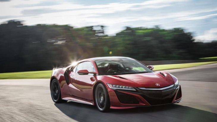 มีการปรับจูนซอฟต์แวร์และเปลี่ยนสเปกยางใหม่ เพื่อยกระดับสมรรถนะในการขับขี่ให้พีคสุดเท่าที่ Honda NSX 2018 ใหม่จะทำได้