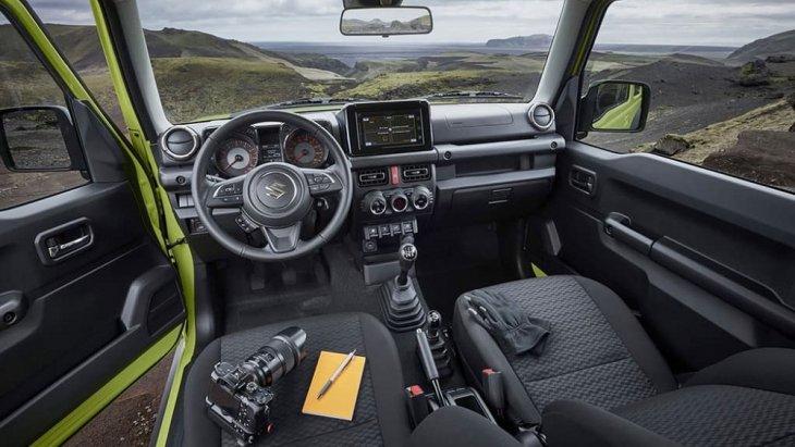 ภายในห้องโดยสารของ Suzuki Jimny 2019 อาจจะไม่ได้ดูหรูหราแต่ก็มาพร้อมกับฟังก์การทำงานและสิ่งอำนวยความสะดวกอย่างครบครัน