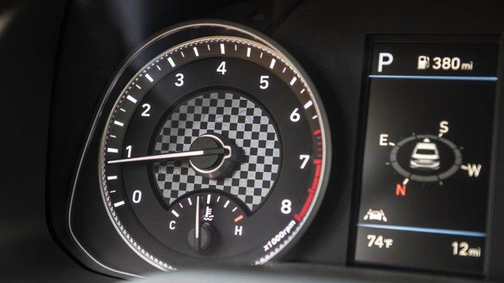 ระบบเข็มที่แสดงมาตรวัดต่างๆของรถ