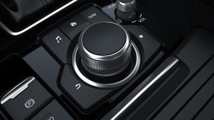 ฟังก์ชั่น AUTO-HOLD เพื่อให้คุณไม่ต้องเหยียบเบรกตลอดเวลาในช่วงที่การจราจรติดขัด