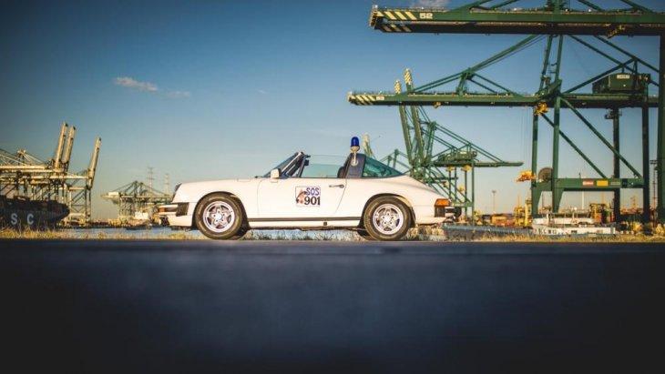 โดย Porsche 911  เริ่มสายการผลิตตั้งแต่ ปี ค.ศ. 1963 เป็นต้นมา