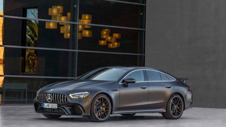 Mercedes-AMG เพิ่มทางเลือกสำหรับผู้ที่อยากได้รถสปอร์ตสมรรถนะสูง แต่ยังคงต้องการตัวถังแบบ 4 ประตู ด้วยการเปิดตัว Mercedes-AMG GT 4-Door Coupé 2018