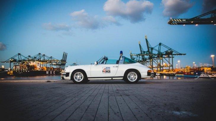 """นอกจากนี้ ในปี ค.ศ. 2004 นิตยสาร Sports Car International ยังได้จัดอันดับให้ Porsche 911  อยู่อันดับที่ 3 บนหัวข้อ """"รถสปอร์ตที่ดีที่สุดในปี ค.ศ. 1960"""""""