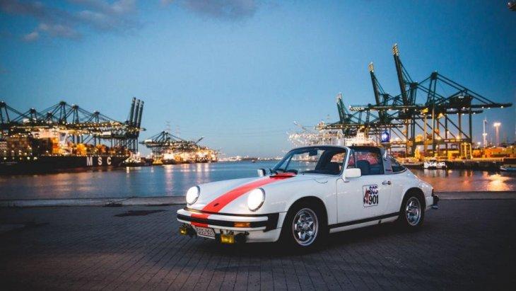 """นิตยสาร Automobile Magazine ได้โหวต Porsche 911   ให้อยู่อันดับที่ 2 จาก 100 คัน ในหัวข้อ """"รถที่เด็ดที่สุด"""""""