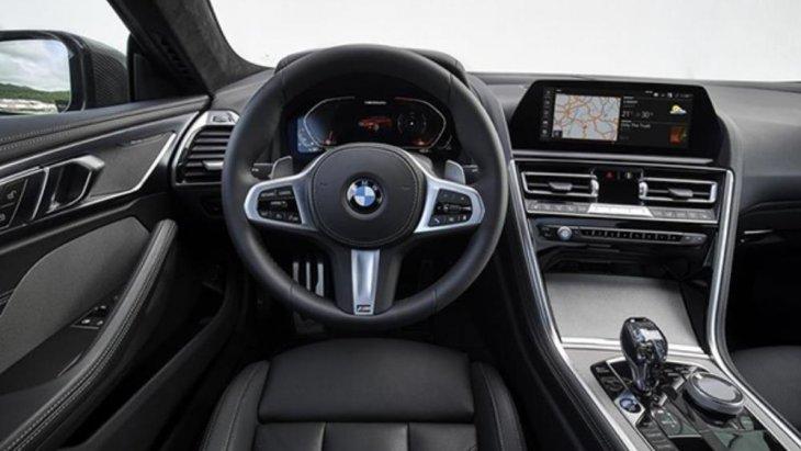 หน้าปัดดิจิตอลเต็มรูปแบบ, หน้าจอ Control Display ขนาด 10.25 นิ้ว พร้อม BMW ConnectedDrive และ BMW Gesture Control และหน้าจอ BMW Head-up Display เวอร์ชั่นล่าสุดที่มีขนาดใหญ่ขึ้น 16%