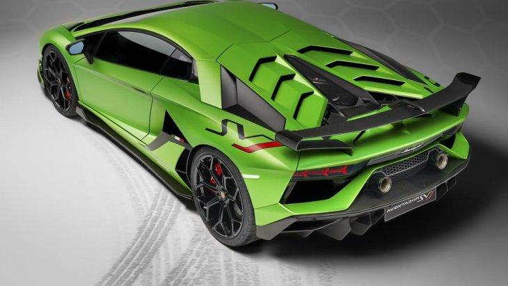 ซึ่ง 'ALA' คือเทคโนโลยีแอโรไดนามิกส์แบบแอคทีฟของ SVJ ซึ่งย่อมาจาก 'Aerodinamica Lamborghini Attiva'