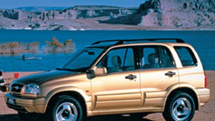 ปี 1998  SUZUKI Grand Vitara ได้ถูกออกแบบและพัฒนาให้เป็นรถ 4X4 ที่ทันสมัยมากยิ่งขึ้น มาพร้อมกับด้วยรูปลักษณ์ที่หรูหราสง่างามเครื่องยนต์ V6 ขนาด 2.5 ลิตรและเครื่องยนต์ขนาด 2.0 ลิตร