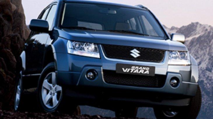 ปี 2005  SUZUKI Grand Vitara เป็นรถ 4X4 ที่ได้ถูกพัฒนาให้มีรูปทรงที่สวยสง่า ดูกะทัดรัด มาพร้อมกับเครื่องยนต์เบนซิน 1.6LVVT, 2.0L และ 2.7LV6