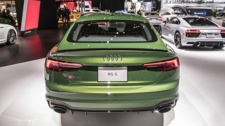 RS5 Sportback คือ ตัวแรงที่พัฒนามาจากโมเดล A5 ในสไตล์คล้ายรถ 5 ประตูที่ออกแบบในสไตล์ Coupe