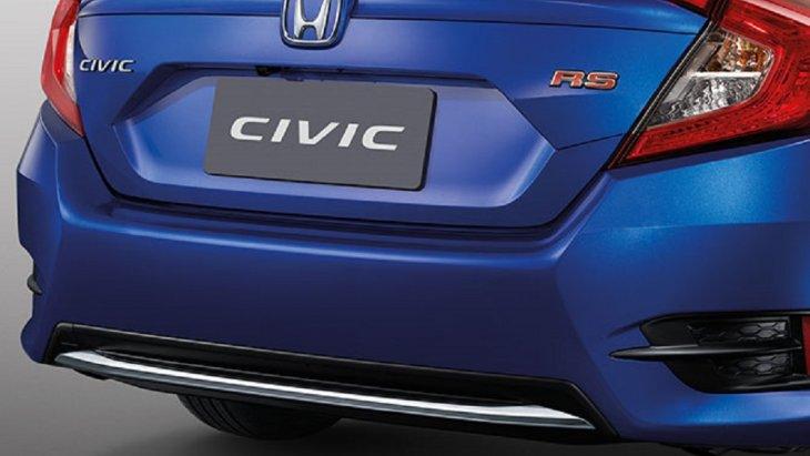 เพิ่มความโฉบเฉี่ยวให้กับ Honda Civic 2019 New Minor Changes ด้วยกันชนหลัง ตกแต่งด้วยโครเมียมที่ให้ความรู้สึกหรูหราระดับพรีเมียม