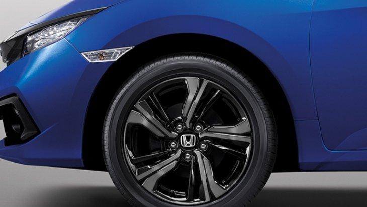 ล้ออัลลอยขนาด 17 นิ้ว ดีไซน์สปอร์ต เพิ่มความสะดุดตาให้กับ Honda Civic 2019 New Minor Changes เพิ่มมากขึ้น