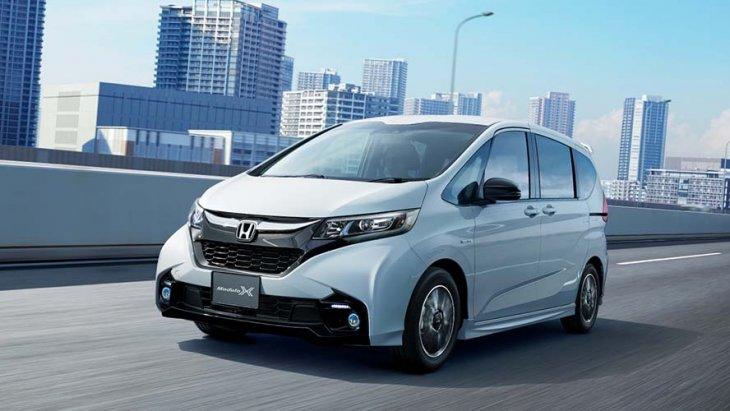 ็Honda Freed Modulo X  ราคาขายเริ่มต้น 2,830,680 เยน (ราว 821,000 บาท)