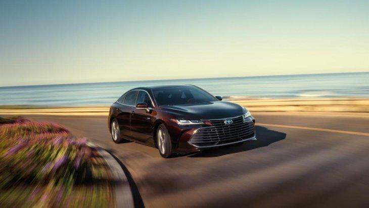 ทางด้านขุมพลัง Toyota Avalon 2019 ใหม่ จะใช้เครื่องยนต์ใหม่ทั้งรุ่นปกติและไฮบริด โดยรุ่นเครื่องยนต์เบนซิน วี 6 สูบ ขนาดความจุ 3.5 ลิตร จ่ายเชื้อเพลิงด้วยหัวฉีดตรง D-4S