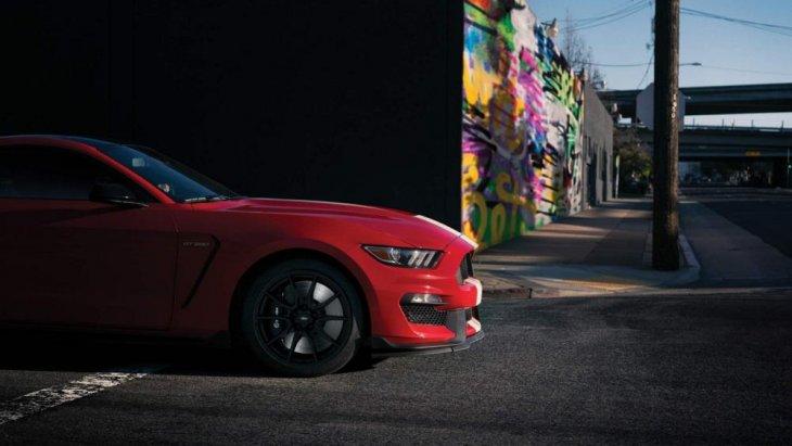 โดยดีไซน์จะคงไว้ซึ่งความเป็น Ford Mustang อยู่