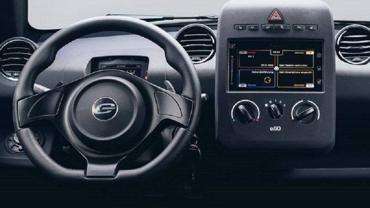 มาพร้อมห้องโดยสารแบบ 4 ที่นั่ง มีขนาดตัวเล็กกว่า Fiat 500 อยู่เล็กน้อย