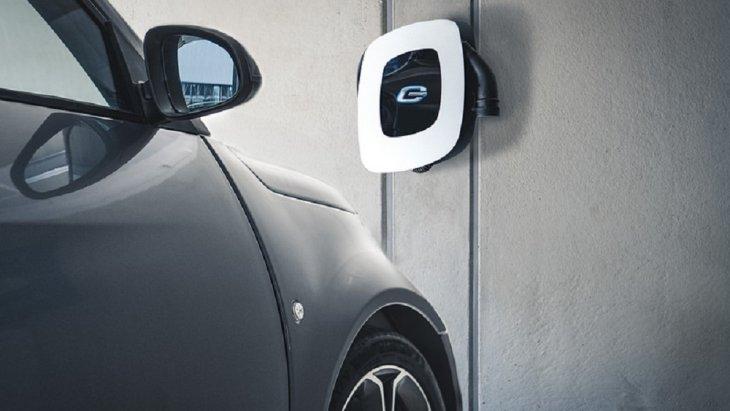 รุ่น e.Go Life 40 ติดตั้งมอเตอร์ไฟฟ้าขนาด 40 กิโลวัตต์ (54 แรงม้า) พร้อมแบตเตอรี่ขนาด 17.9 กิโลวัตต์ชั่วโมง