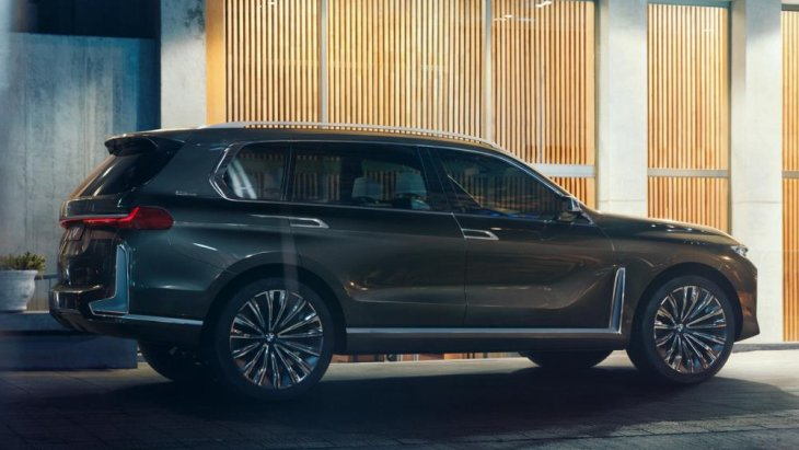 ดีไซน์ของ BMW X7 มีความใกล้เคียงกับเวอร์ชั่นต้นแบบค่อนข้างมาก