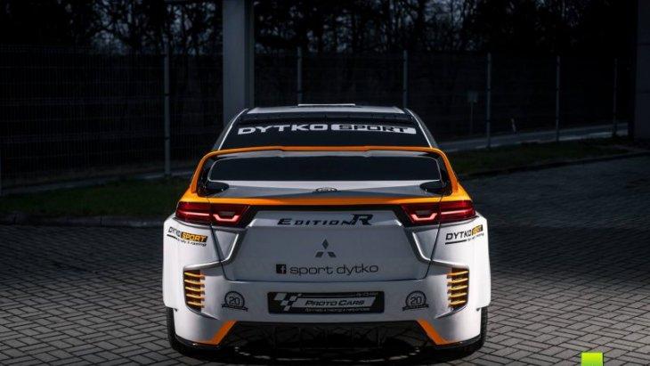 Evo X รุ่นปกติมาพร้อมเครื่องยนต์เบนซินเทอร์โบ 2.0 ลิตร กำลังสูงสุด 280 แรงม้า รอลุ้นสำหรับขุมพลังไฟฟ้ารุ่นนี้จะแรงแค่ไหน