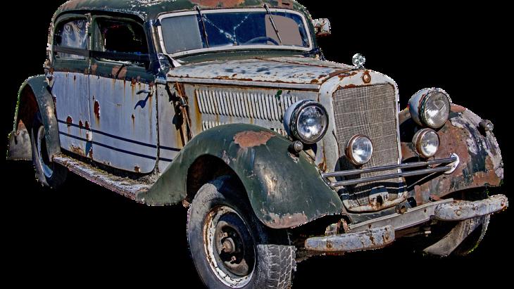 ผู้ผลิตรถเมอร์เซเดส-เบนซ์ คือ บริษัท ไดมเลอร์-เบนซ์ เอจี ( DAIMLER-BENZ AG) แห่งเยอรมนี
