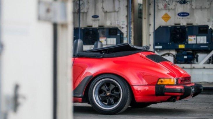 """ในปี พ.ศ. 1999 โพลต์สำหรับรางวัล """"รถแห่งศตวรรษ"""" (Car of the Century) ได้โหวต ปอร์เช่ 911 เป็นรถแห่งศตวรรษ ถือเป็นความสำเร็จของปอร์เช่เลยก็ว่าได้"""