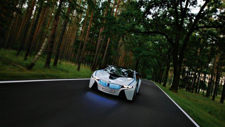 รถแนวคิด 2+2 ที่นั่งรุ่นนี้ ถือว่าเป็นการสะท้อนภาพของเทคโนโลยี ActiveHybrid ของ BMW