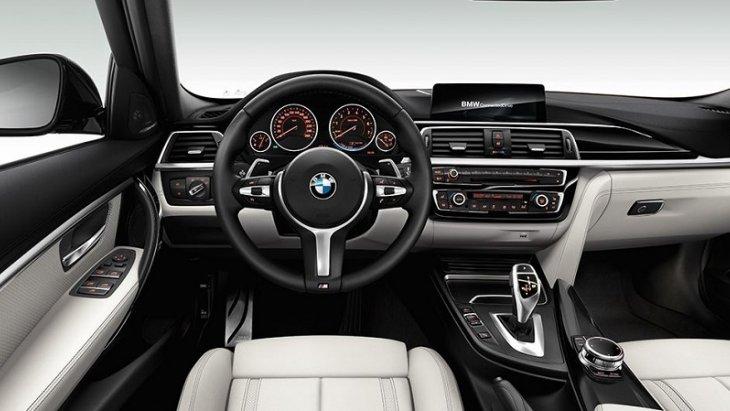 ภายในห้องโดยสารของ BMW 3 Series 2019 ออกแบบและตกแต่งอย่างหรูหราและใช้วัสดุระดับพรีเมียม เน้นโทนสีดำเพื่อเน้นความเป็นสปอร์ต