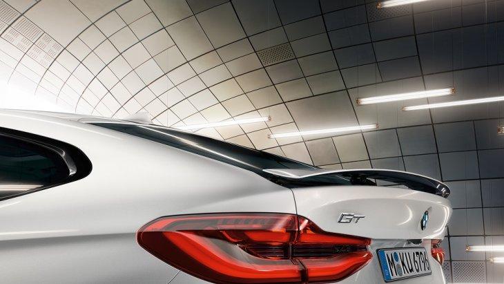 สปอยเลอร์หลังของ BMW 6 Series Gran Turismo จะเริ่มขยายตัวแบบอัตโนมัติเมื่อใช้ความเร็วเกิน 120 กม. / ชม. เพื่อเพิ่มประสิทธิภาพในการขับขี่ตามหลักอากาศพลศาสตร์