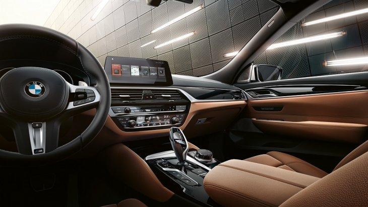ภายในห้องโดยสาร BMW 6 Series Gran Turismo กว้างขวาง หรูหรา และมาพร้อมกับเทคโนโลยีทันสมัยต่างๆ มากมาย
