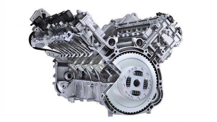 ระบบขับเคลื่อนนั้นปอร์เช่จัดเต็มตั้งแต่เครื่องยนต์ V8