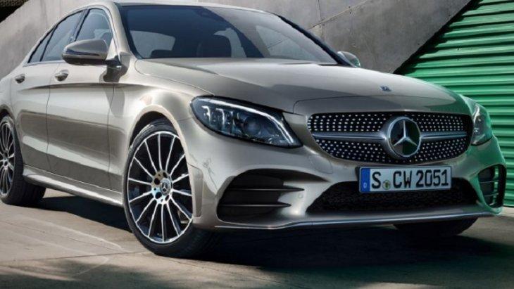 Mercerdes-Benz C-Class  รถยนต์อีกหนึ่งรุ่นของ Mercerdes-Benz ที่ทำยอดขายได้ดีจนสามารถติด TOP 10 ได้ไม่แพ้ Mercedes-Benz A-Class  ถึงแม้จะทำยอดขายมาเป็นอันดับรั้งท้ายแต่ Mercerdes-Benz C-Class ก็มียอดจดทะเบียนมากถึง 22,783 คัน