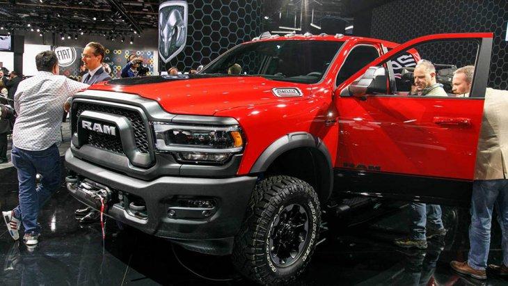 ในงาน NAIAS Detroit Auto show ได้รับความสนใจจากเจ้าถิ่นอย่างล้นหลาม