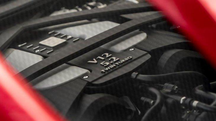 Aston Martin DBS Superleggera TAG Heuer Edition ไม่แตกต่างจาก Aston Martin DBS Superleggera 2019 ซึ่งใช้เครื่องยนต์แบบ วี 12 สูบ 5.2 ลิตร ควอดแคม 48 วาล์ว ไบ-เทอร์โบ ให้กำลังสูงสุด 725 แรงม้า ที่ 6,500 รอบ/นาที และแรงบิดสูงสุด 900 นิวตันเมตร