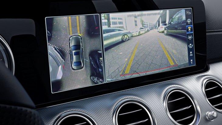 กล้อง 360 ° ที่ส่งภาพเหมือนจริงไปยังจอแสดงผลของระบบมัลติมีเดียเพื่อช่วยให้คุณสามารถจอดรถได้อย่างสะดวก ง่ายดาย และปลอดภัยในทุกสถานการณ์