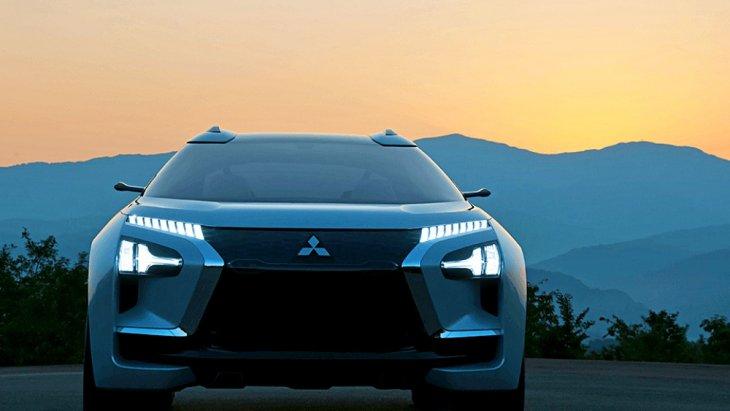 ทั้งนี้ Mitsubishi Engelberg Tourer อาจเป็นต้นแบบของรถยนต์ไฟฟ้าล้วนรุ่นแรกจาก Mitsubishi ที่มาในสไตล์รถ SUV ก็เป็นได้ จริง ๆ Mitsubishi  ดูจากด้านหน้าแล้วก็คงเป็นการผสมผสานต้นแบบสองรุ่น Mitsubishi e-evolution concept และ Mitsubihi XM concept