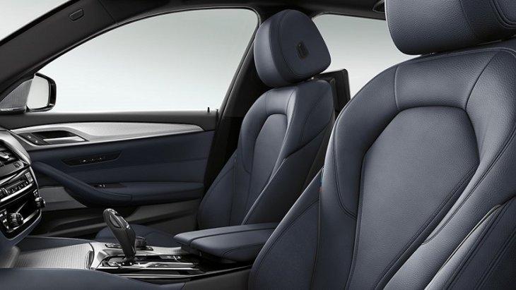 ภายในห้องโดยสารของ BMW 5 Series Touring 2019  กว้างขวาง และออกแบบเน้นความเรียบหรูแต่ก็ยังคงสไตล์ความเป็นสปอร์ต
